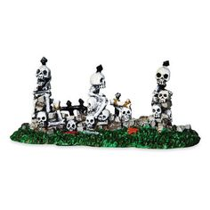 24466 - Skull and Stone Fence - Lemax Spooky Town Halloween Village Accessories Halloween Village, Halloween House, Holidays Halloween, Halloween Skeletons, Halloween Skull, Lemax Christmas, Halloween Entertaining, Ghost And Ghouls, Stone Fence