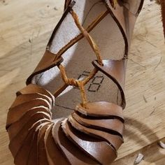 Iron Age Shoes (previous 'viking Shoes'): 24 Steps (with Pictures) Source by shoes Leather Gifts, Leather Jewelry, Leather Craft, Leather Shoes, Handmade Leather, Leather Bags, Iron Age, Viking Shoes, Creative Shoes
