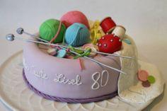 Für die Torte des Monats März jetzt voten bei www.cake-company.de. Angebote, Rezepte und Tipps zum Torten dekorieren nur bei Facebook: Cake Company - Torten mit Pfiff