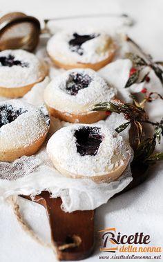 muffin-di-natale-con-confettura-di-lamponi