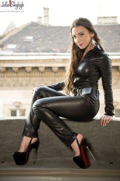 julie skyhigh leather skirt - Recherche Google