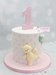 Polka dot Birthday Cake with teddy holding balloons - tortas - first birthday cake-Erster Geburtstagskuchen Teddy Bear Birthday Cake, Toddler Birthday Cakes, 1st Birthday Cake For Girls, Teddy Bear Cakes, 1st Bday Cake, 21st Birthday, Picnic Cake, Baby Girl Cakes, First Birthdays