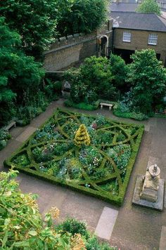 The 17th century style Knot Garden created in 1981 at the Garden Museum in London, UK. The designer was the Dowager Marchioness of Salisbury. www.shapedscape.com