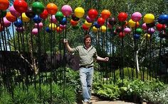 Love Diarmuid Gavin's designs. And these multicoloured lollipop balls are fab!