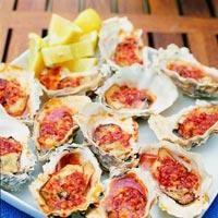 Grillede østers med smørsaus
