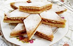 Placinta cu mere si aluat fraged cu iaurt - Rețete Merișor Romania Food, Romanian Desserts, Romanian Recipes, Nutella Muffins, Desert Recipes, Yummy Cakes, Food Videos, Cake Recipes, Good Food