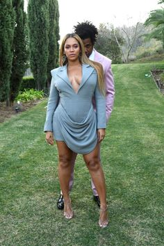 Beyonce 2020 roc nation brunch before Beyonce Photoshop, lighting, and filtering her ig pic nation brunch Beyonce Style, Beyonce And Jay Z, Beyonce Family, Beyonce Coachella, Beyonce Pictures, Sean Combs, Chance The Rapper, Blue Ivy, Famous Couples
