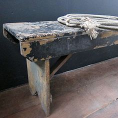 Three Potato Four - Primitive Chipped Black Paint Bench Primitive Furniture, Primitive Antiques, Farmhouse Furniture, Prim Decor, Country Decor, Bench Stool, Bench Seat, Porch Bench, Painted Benches