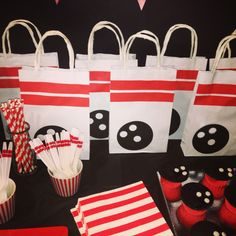 Bowling Party Bags Bowling Party Themes, Kids Bowling Party, Party Mottos, Party Bags, Party Gifts, 9th Birthday Parties, 8th Birthday, Birthday Ideas, Sports Party