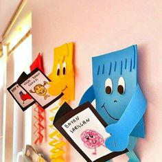 Decorating shapes for classroom Classroom Board, Classroom Displays, Preschool Classroom, Classroom Decor, Preschool Activities, Bulletin Board, School Board Decoration, Class Decoration, School Decorations