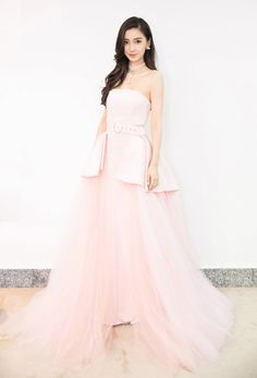 Couture Dresses, Fashion Dresses, Angelababy, Quinceanera Dresses, Pakistani Dresses, African Dress, Fashion Pictures, Korean Fashion, Chinese Fashion