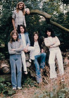 English progressive rock group Yes United Kingdom 1974 Left to right guitarist Steve Howe drummer Alan White singer Jon Anderson bassist Chris Squire. Rock N Roll, Rock & Pop, The Rock, Punk, I Love Music, My Music, Reggae Music, 70s Rock Bands, Heavy Metal