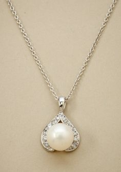 CRISLU              Pearl Pendant Necklace