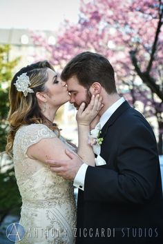 Beautiful photos at Montclair Art Museum!  #art #museumwedding #weddingday #flowers #anthonyziccardistudios #aziccardi #AZS #ateam