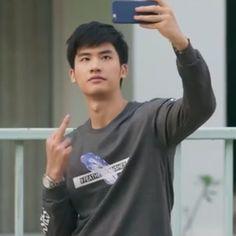 Meme Faces, Funny Faces, Boy Meme, R Lol, Reaction Face, Thai Drama, Kpop, My Sunshine, Cute Boys