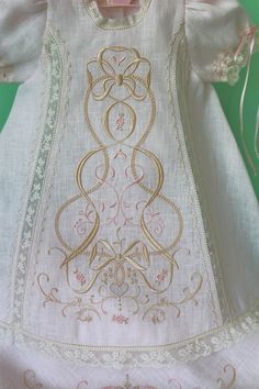 This looks like Wendy Schoen's beautiful design. Baptism Gown, Christening Gowns, Baby Design, Puerto Rico, Baby Couture, Heirloom Sewing, Baby Boutique, Baby Sweaters, Vintage Sewing
