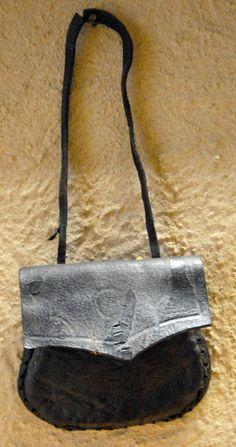 Novgorod purse dating 10th to 15th century