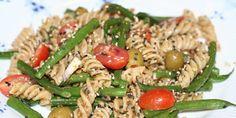 Helstøbt pastasalat med grønne bønner og pesto. Kan indtages i alle døgnets vågne timer (men er måske mest oplagt som frokost eller tilbehør til aftensmaden).
