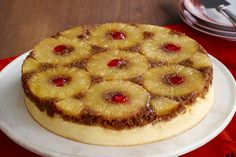 Delicious-Combine pineapple upside down cake and cheesecake for the ultimate dessert. This Pineapple Upside-Down Cheesecake is the ultimate sweet treat. Brownie Desserts, Mini Desserts, Just Desserts, Delicious Desserts, Yummy Food, Coconut Dessert, Oreo Dessert, Cheesecake Recipes, Dessert Recipes