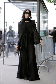 Paris – Jamie Bochert #Apostolicfashion #modestfashion #modestdress #tzniutfashion #classicdress #formaldress #kosherfashion