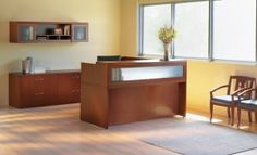 The Aberdeen Series of laminate casegoods combine fashionable aesthetics and unparalleled quality all in a package that is surprisingly affordable. Aberdeen's transitional style allows it to fit into any environment whether it be modular multi-station work areas or executive offices. Please visit: http://sd-office.com/i-8355105-mayline-aberdeen-series-typical-37-reception-desk-suite.html