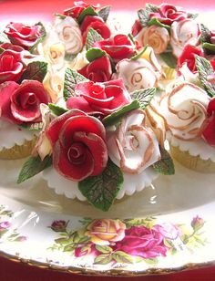 The English Rose bouquet cupcakes
