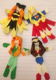 Ribbon Sculpture ~ FlokiDoki Bowtique ~ DC, hair clip, bow, ribbon, Wonder Woman, BatGirl, super girl, poison ivy Ribbon Hair Clips, Ribbon Art, Diy Ribbon, Ribbon Crafts, Ribbon Bows, Ribbons, Homade Christmas Ornaments, Burlap Bow Tutorial, Band Kunst