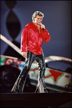 Johnny Hallyday Performing For His Birthday At The 'Parc Des Prince' - 1993 Pictures Johnny Halliday, Good Quotes For Instagram, Jean Philippe, Laetitia, Christian Audigier, Rock N Roll, Red Hair, Superstar, Boss