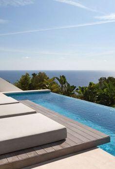 "Luxury Pool, Architecture Beast: Modern Villa ""Roca Llisa"" Located In Breathtaking Ibiza Luxury Swimming Pools, Dream Pools, Swimming Pool Designs, Piscina Spa, Moderne Pools, Beautiful Pools, Cool Pools, Pool Houses, Tenerife"