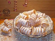 Szerpentin fánk   Fehér Katica receptje - Cookpad receptek Hungarian Desserts, Hungarian Recipes, Tart Recipes, Cookie Recipes, Gummy Bear Popsicles, Cooking Bread, Creative Cakes, Cannoli, No Bake Cake