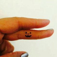 Pumpkin Face Halloween Tattoo Tiny / Fake Tattoos / Set of 5 - Tattoo - . - Pumpkin Face Halloween Tattoo Tiny / Fake Tattoos / Set of 5 – Tattoo – - Mini Tattoos, Dream Tattoos, Fake Tattoos, Finger Tattoos, Future Tattoos, Girly Tattoos, Tatoos, White Tattoos, Leg Tattoos