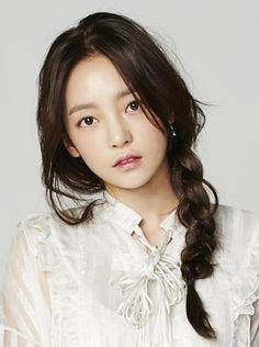 元KARAのハラさんが 新世代シートマスク『オルフェス』のCM出演 古畑奈和さん(SKE48)が歌を担当!5月8日からオンエア! オルフェス・ブランドサイトでもCM動画をご覧いただけます Kpop Girl Groups, Korean Girl Groups, Kpop Girls, Goo Hara Kara, Kim Sang, Sulli, Korean Model, Her Smile, Ulzzang Girl
