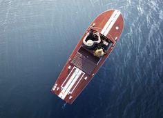 Schnelles 69er Mahagoni-Sportboot mit 30 kW-Elektromotor 30 Kw, Luxury Yachts, Bath Caddy, Boating, Old School, Berlin, Sailing, Classic, Speed Boats