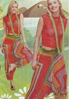 Transcendent Crochet a Solid Granny Square Ideas. Inconceivable Crochet a Solid Granny Square Ideas. Crochet Pants, Black Crochet Dress, Crochet Skirts, Crochet Clothes, Crochet Top, Crochet Flower, Crochet Granny, Crochet Designs, Crochet Patterns