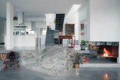 http://www.homedsgn.com/2015/02/08/modern-home-in-ingaro-sweden/