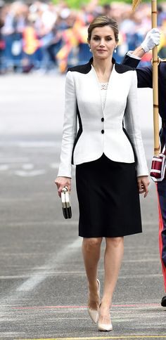 Queen Letizia - Felipe Varela black and white raffia skirt suit and guipure top, Magrit heels, Mango black and white clutch, Tous cultured freshwater pearl drop earrings.