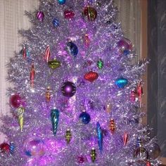 $250 Evergleam 91 branch 6 ft aluminum Christmas tree with stand ...