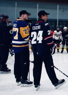 Canadian Boys, Hockey Players, Ice Hockey, Future Husband, Boyfriend, Sexy, Hockey Puck, Hockey