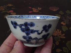 Antique Chinese blue & white porcelain tea bowl  c1752 Nanking blue pine pattern