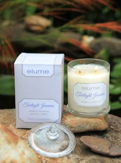 Twilight Jasmine – Jasmine & Clementine A floral bouquet of jasmine mingles with spirited citrus notes of clementine and a dusky hint of vanilla musk to create an enchanting scent perfect for an evening of romance. Scented Pillar Candles, Tea Candles, Floating Candles, Soy Wax Candles, Candle Jars, Candles Online, Home Scents, Candle Companies, Soy Wax Melts