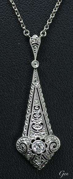 オーストリア? 1920年代 オールドヨーロピアンカット・ダイヤモンド、ローズカットダイヤモンド、14ctホワイトゴールド、 ハンドメイド ホワイトゴールド・チェーンの長さ 52cm ¥223,000- アンティークジュエリー