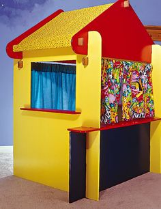 They have one of these at our library, and the kids all LOVE it!    Build a portable kids puppet theatre – Canadian Home Workshop