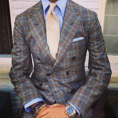 "violamilano:      @rickycarlo wearing a Viola Milano ""Creme"" 7-fold cashmere tie…      Suit: La Vera Sartoria Napoletana by @pinoluciano - Shirt: Fray - Watch: Rolex GMT II - Bracelets: Viola Milano"