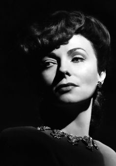 Quiz: Can You Name the Most Famous Actor From Each Year? Agnes Moorehead, Hollywood Glamour, Hollywood Actresses, Classic Hollywood, Old Hollywood, Hollywood Icons, Classic Movie Stars, Love Movie, Female Actresses