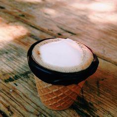 画像1 : NYのカフェが出した食べられるコーヒーカップが全米で話題! │ macaroni[マカロニ]