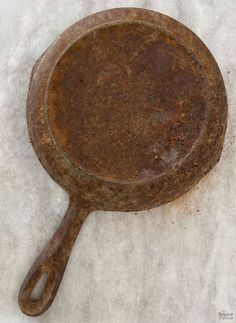 How to Restore a Cast Iron Pan   How to Season a Cast Iron Pan   How to remove rust from cast iron   The easy way to restore a pan   How to clean rusty cast iron   Easy rust remover   The right way to season a pan   Simple trick for removing rust from a cast iron pan   DIY Cast Iron Pan restoration   #TheNavagePatch #CastIron #RustRemoval #HowTo #Tutorial   TheNavagePatch.com Removing Rust, How To Remove Rust, Cleaning Rusty Cast Iron, Searing Meat, Cast Iron Griddle, Seasoning Cast Iron, Cooking Tomatoes, Acidic Foods, Iron Pan