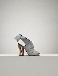 Proenza Schouler Fall 2015 - Grey felt ankle bow heel