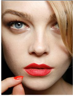 red lip elle canada