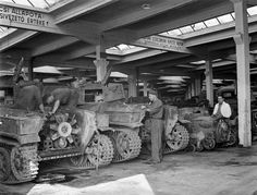 Hungarian army repair shop with many trucks, cars & some Swedish and Italian tanks, tankettes and artillery tractor. Italian Army, Bad Picture, Defence Force, Ww2 Tanks, Repair Shop, Panzer, Luftwaffe, World War Two, Hungary