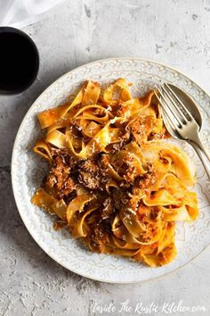 You Have Meals Poisoning More Normally Than You're Thinking That Italian Duck Ragu. A Rich Venetian Duck Ragu Made With Cinnamon, Orange, White Wine And Tossed With Pappardelle Pasta. This Beautiful Pasta Dish Has A Festive Feel To It But Can Be Eaten All Duck Recipes, Pasta Recipes, Dinner Recipes, Cooking Recipes, Tortellini, Pappardelle Pasta, Spaghetti, Northern Italy, Chicken